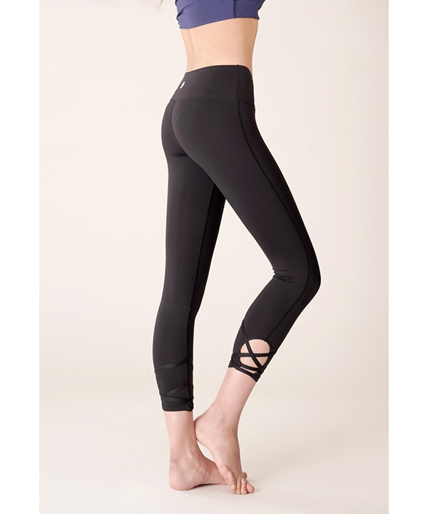 [TRUEFOXY] Strap point cropped yoga leggings