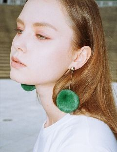 [CLUTSTUDIO] 1 1 pompom 'drop' earrings