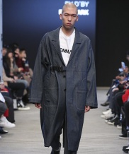 [FROMMARK] OVERSIZED BUCKLE DETAIL LONG COAT DENIM
