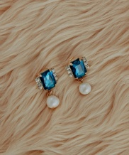 [bpb] Blue Cubic Fresh Water Pearl Earring