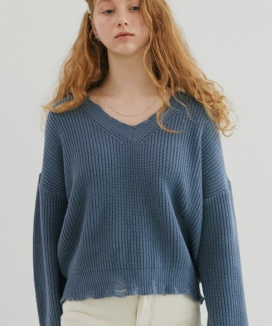 [DIAGONAL] CUTTING V-NECK KNIT