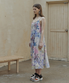 [Ouahsommet] Backless Floral Dress