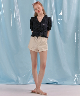 [oioi] COLOR FRILL SHORTS
