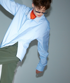 [ORDINARY PEOPLE] sky blue stripe & solid layered double shirt