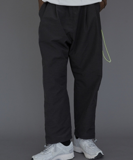 [LE2] TWO TUCK EASY PANTS