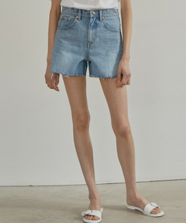 [38comeoncommon] 19SR NATURAL DENIM SHORT PANTS