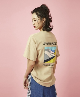 [Between A and B] SOMEWHERE PRINT TEE