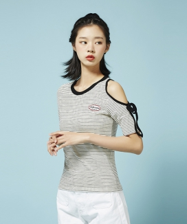 [Between A and B] SHOULDER HOLE STRIPE TEE