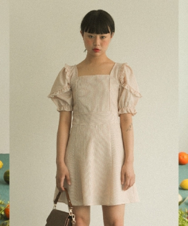 [oneninenineone] SMOCK RUFFLE DRESS