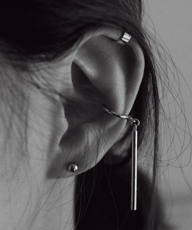 [reinheart] Line bar middle earcuff