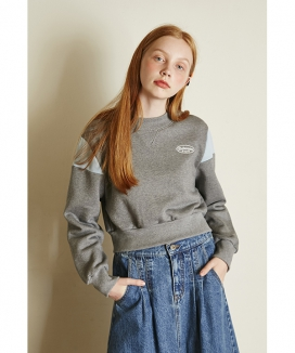 [Between A and B] SMALL LOGO CROP SWEATSHIRT