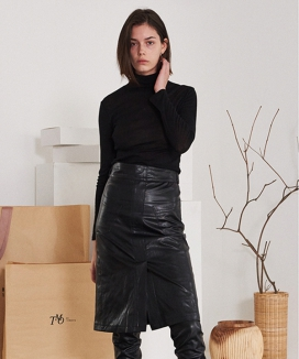 [TMO BY 13MONTH] TWO POCKET LEATHER SKIRT