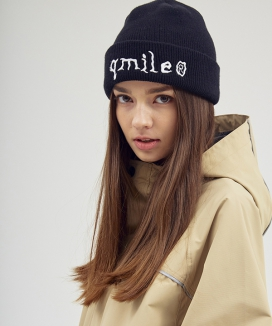 [QMILE] スプーキィ ロゴ刺繍ビーニー/  SPOOKY LOGO EMBROIDERY BEANIE