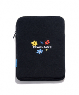 [PIECEMAKER] フレンズ タブレットポーチ/ [EZwithPIECE] KICK KICK TABLET POUCH