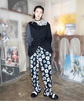 [JORENZ CARTIESS] ワイドフィット イラスティックバンドフラワーパンツ / wide-fit elastic band flower pants