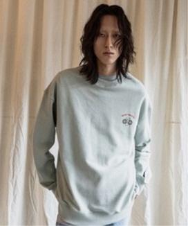 [JORENZ CARTIESS] オーバーサイズフィット グラフィックスウェットシャツ(カーキ) / Khaki Oversized Fit Graphic Sweatshirt
