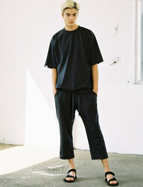 [IVORYPAPER] SEMI-WIDE FIT 4/5 SWEAT PANTS