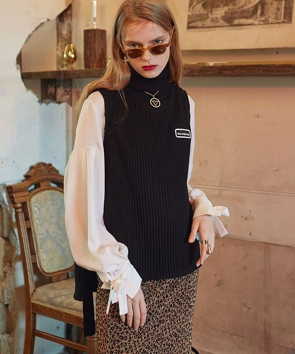 [VVV] VVV TURTLE NECK KNIT VEST