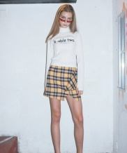 [B ABLE TWO] Flap Front Check Miniskirt