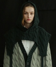 [ulkin] UL:KIN COLLECTION LABEL_CABLE KNIT HOODED CAPE