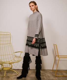 [Ouahsommet] SIDE-SLIT LONG WOOL SWEATER
