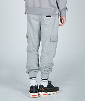[AT THE MOMENT] Sweat Cargo Pants