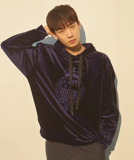 [PRAIRIE] NOBLE EMBROIDERY VELVET HOODY SWEAT SHIRT