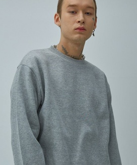 [UNHATE] BACK POINT SWEATSHIRT