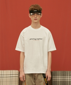 [UNALLOYED] PHOTOGRAPHER T SHIRT