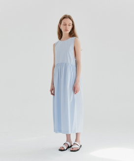 [CURRENT] Sleeveless Shirring Dress