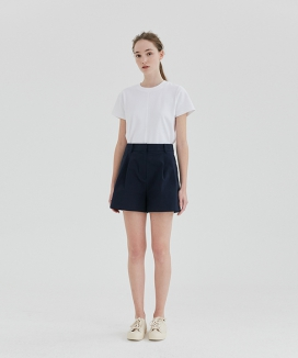 [CURRENT] Two Tuck Short Pants