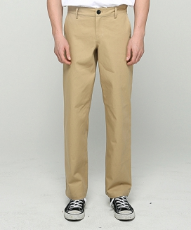 [AT THE MOMENT] Essential Chino Pants