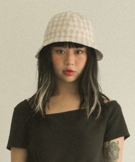 [oneninenineone] POINT LABEL BUCKET HAT