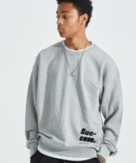[AT THE MOMENT] Success Oversized Sweatshirt