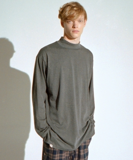 [A NOTHING] HALF TURTLE-NECK INNER LAYERED TEE
