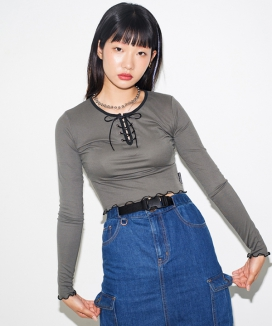 [RUNNING HIGH] WAVY LACE UP SLIM TOP