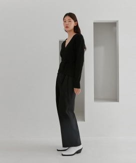[CURRENT] Two Tuck Wide-Leg Pants