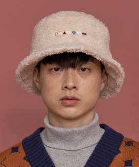 [UNALLOYED] FLEECE BUCKET HAT